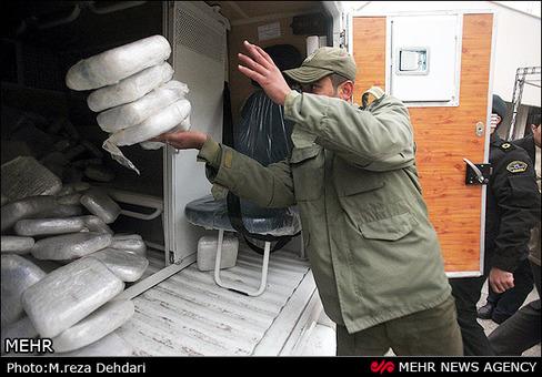 محموله بزرگ ترانزیتی مواد مخدر و هروئین به ارزش تقریبی ۱۳ میلیارد تومان توسط فرماندهی پلیس مواد مخدر استان فارس کشف و ضبط شد