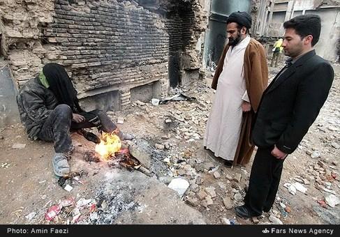 بازدید ائمه جمعه از محله سنگ سیاه شیراز و وضعیت اسف ناک معتادان سیه روز