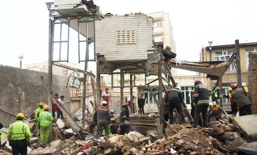 انفجار گاز در یکی از محلات قدیمی شهر تبریز ساختمانی را به کلی تخریب کرد و سه تن در این حادثه کشته شدند/ایرنا