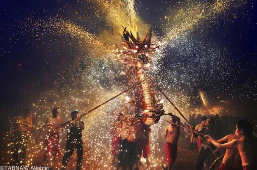 ارسال از هنگ کنگ - جشنواره اژدهای آتش در ماکائو