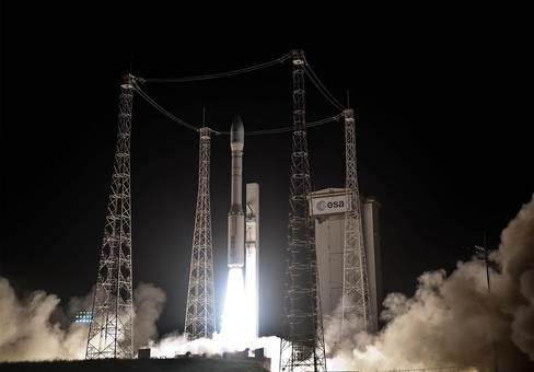 موشک ماهوارهبر اروپایی وگا یک ماهواره نظارتی را برای جمهوری قزاقستان در مدار قرار داد/JM GUILLON / ESA / CNES VIA AFP - GETTY IMAGES
