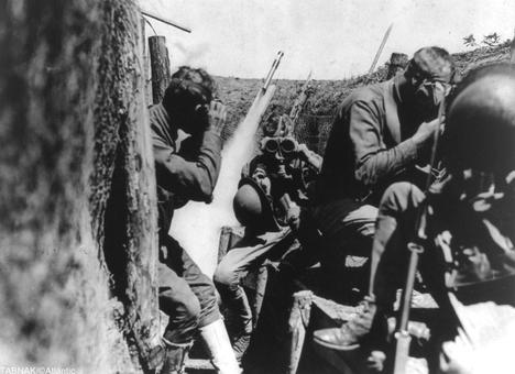 استفاده سریع سربازان آمریکایی از ماسک ضد گاز
