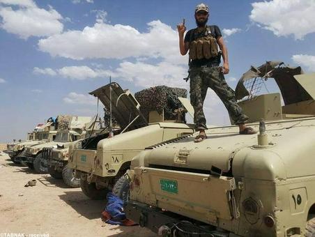 تروریست داعش و تسلیحات مصادره شده ارتش عراق