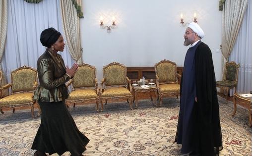 میته نکونا ماشابانه، وزیر روابط و همکاری بینالمللی جمهوری آفریقای جنوبی، روز یکشنبه با حجت الاسلام حسن روحانی رئیس جمهوری دیدار و گفتوگو کرد. /IRNA