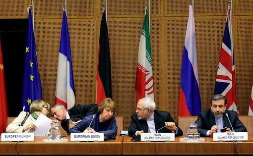نشست رسمی هیأتهای مذاکره کننده هسته ای جمهوری اسلامی ایران و ۱+۵ در مقر اروپایی سازمان ملل متحد به ریاست «محمد جواد ظریف» وزیر امور خارجه و «کاترین اشتون» مسئول سیاست خارجی اتحادیه اروپا./IRNA