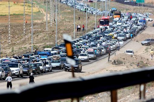 اتلاف انرژی و وقت در کوران رفت و آمد خودرو محور فیروزکوه در ایام تعطیلات عید فطر/ISNA