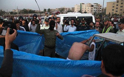 اجرای حکم شلاق و اعدام یک متجاوز به عنف صبح چهارشنبه در گلشهر کرج اجرا شد./MEHR