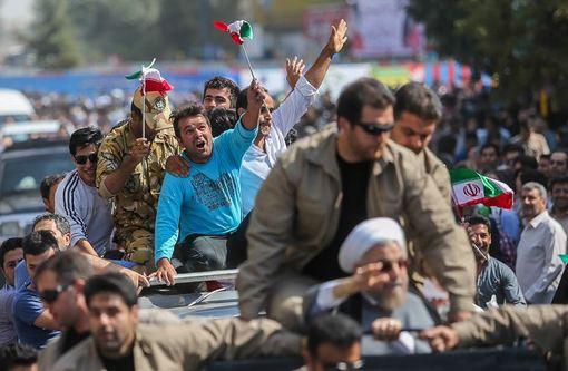 حاشیه استقبال مردم اردبیل در جریان سفر رئیسجمهور به استان اردبیل./ISNA