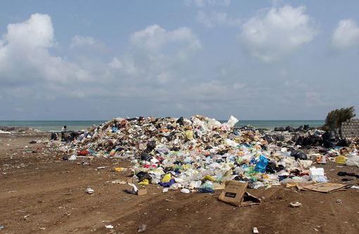 دپوی زبالهها در ساحل محمودآباد - مازندران/ISNA