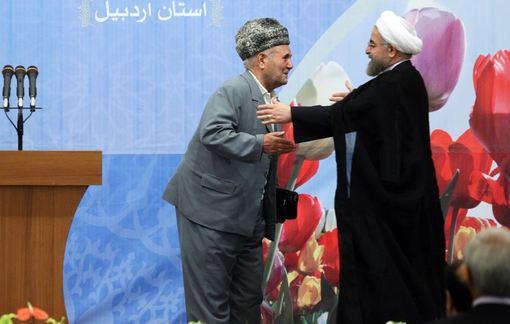 جمعی از ایثارگران، نخبگان و برگزیدگان استان اردبیل در دومین روز از سفر رییس جمهوری به این استان با حجت الاسلام حسن روحانی دیدار کردند./IRNA