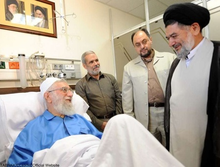 تصاویر/ چهره هایی که میهمان لبخند رهبر انقلاب شدند