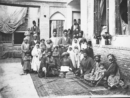 طبیب معروف تهران، حکیم محمود