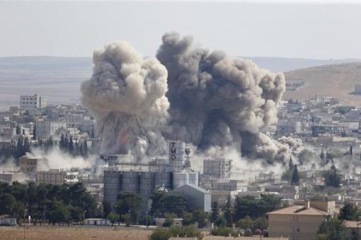 فرماندهی مرکزی آمریکا با اعلام تشدید حملات هوایی نیروهای ائتلاف میگوید، بخش اعظم شهر کوبانی سوریه در دست کردهاست. سازمان نظارت بر حقوق بشر سوریه نیز گفت،