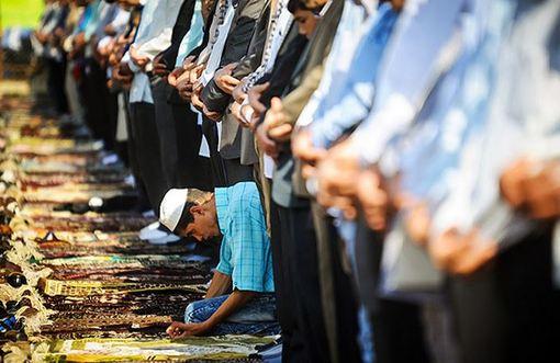 مراسم عید سعید قربان صبح روز یکشنبه با اقامه نماز و ادای قربانی و دید و بازدیدهای مرسوم این منطقه برگزار شد./mna