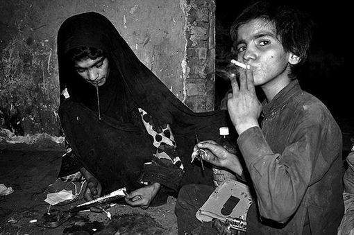 تصویری حزن انگیز از کودکان مناطق محروم سیستان و بلوچستان./mna