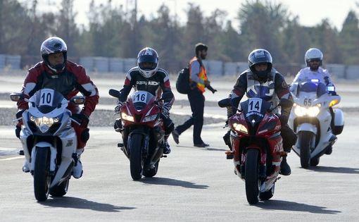 نخستین دوره مسابقات موتور سواری سرعت نیروهای مسلح جمهوری اسلامی ایران برگزار شد./tabnak