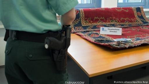 کشف ۴۵کیلو هروئین در محموله قالیچههای ایرانی در لایپزیگ