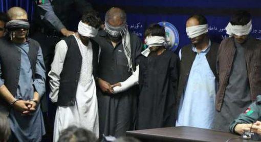 حکومت افغانستان حکم اعدام پنج تن از عاملان تجاوز گروهی ولسوالی پغمان کابل را اجرا کرد. رحمتالله نظری، معاون دادستانی کل افغانستان گفت که اعدام پنج تن از عاملان تجاوز گروهی پغمان و حبیب استالف از آدمربایان نامی، ساعت سه بعد از ظهر به وقت محلی عملی شد. آقای نظری گفت: «هر شش تن اعدام شدند». پلیس کابل در ماه اوت ده تن را در ارتباط به دست داشتن در تجاوز گروهی در ولسوالی پغمان، شناسایی و تعدادی از آنها را بازداشت کرد که پنج تن از آنها در محاکم ثلاثه افغانستان به اعدام محکوم شدند. /bbc