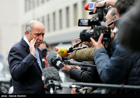 وزیرخارجه فرانسه پس از پایان مذاکرات و پیش از ترک اتریش