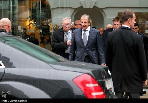 وزیرخارجه روسیه پس از پایان مذاکرات و پیش از ترک اتریش