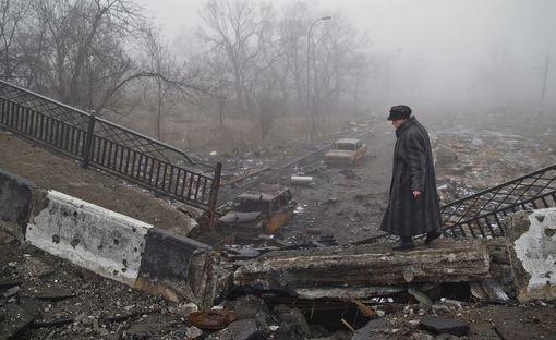 دونتسک جنگ زده و ویران در روزهای جنگ سنگین بین ارتش اوکراین و جدائی طلبان طرفدار روسیه./AP