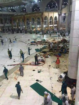 سقوط مرگبار جرثقیل در مسجدالحرام بر اثر طوفان + عکس