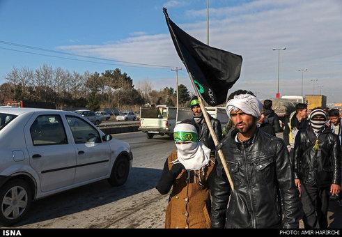 حرکت زائران به سمت حرم امام رضا (ع)  + تصاویر