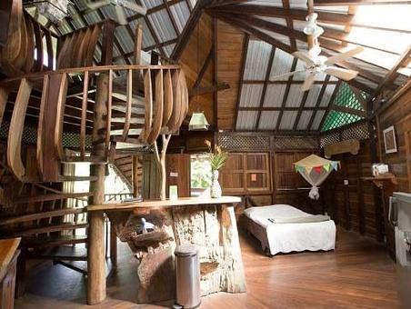 خانه درختی تسلیم در کاستاریکا