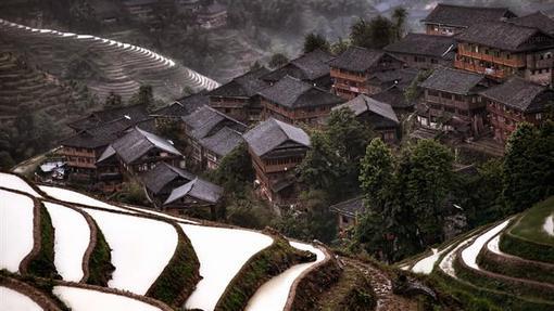 روستای «هیدن مونتنز» در جنوب چین
