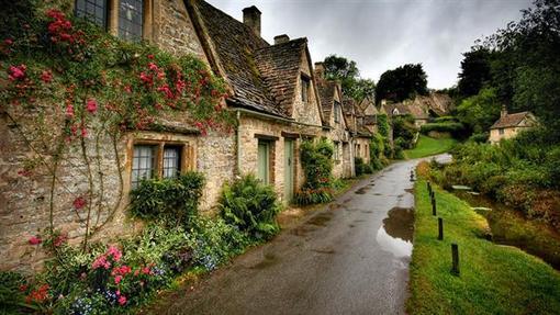 روستای بیبری در شهرستان گلاسترشر در جنوب غرب انگلستان.
