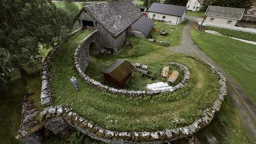 روستای والدالِن در مور اور رومسدال، استانی در شمالیترین منطقۀ نروژ غربی