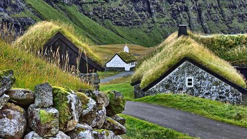 روستایی «گرین روف» (بام سبز) در جزایر فارو در دانمارک