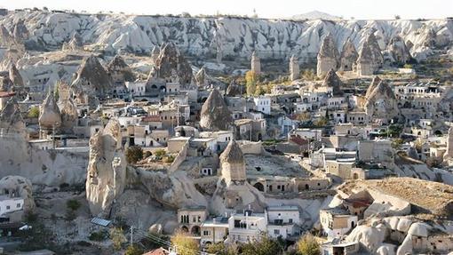 روستای گورمه در منطقۀ باستانی کاپادوکیۀ ترکیه که استان نوشهرِ ترکیۀ کنونی را دربرمیگیرد.