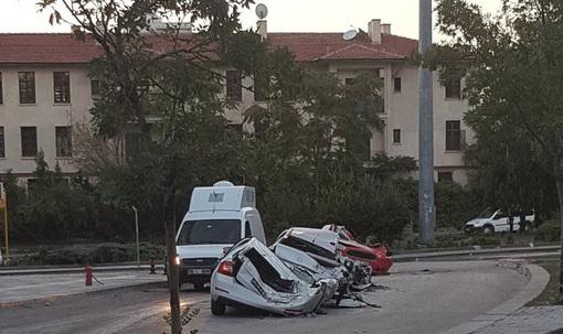 خودروی له شدن زیر شنکش تانکهای ارتش ترکیه