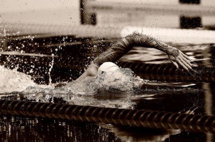 آنتونی اورین آمریکایی در فینال شنا ۵۰ متر آزاد المپیک