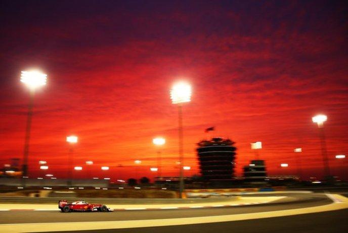 کیمی رایکونن در جریان دور تمرینی مسابقات فرمول یک بحرین