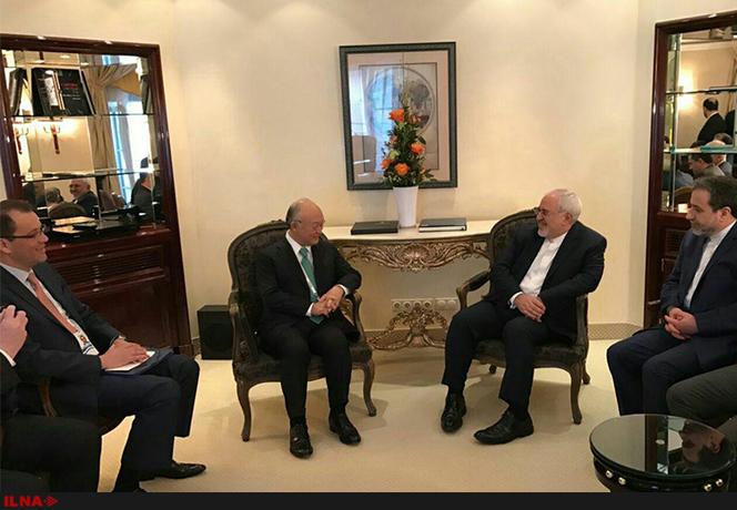 یوکیا آمانو مدیر کل آژانس بینالمللی اتمی در حاشیه کنفرانس امنیتی مونیخ با محمد جواد ظریف دیدار و گفتوگو کرد.