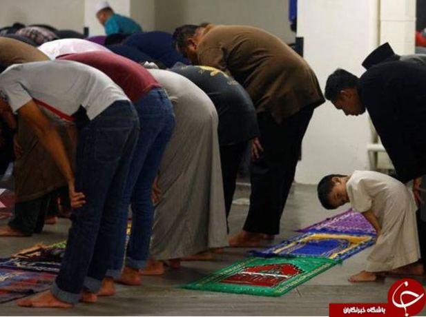 نماز جماعت در مسجد جامع سنگاپور