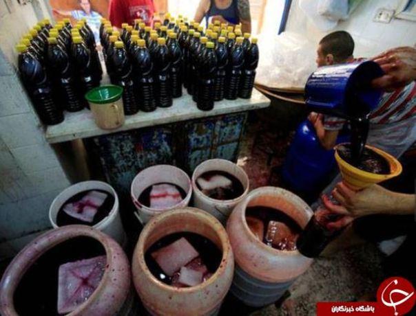 آماده کردن شربت جلاب برای افطار در شهر صیدا، لبنان