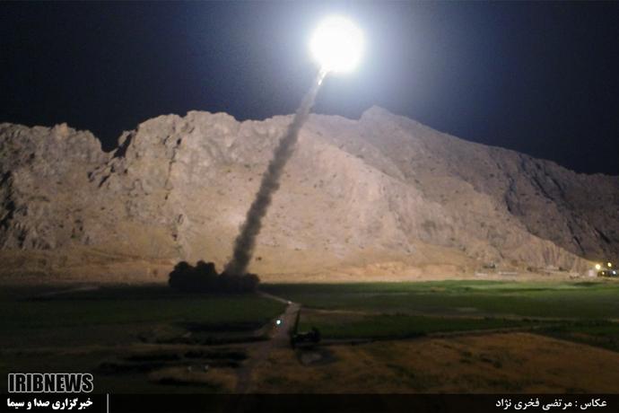 لحظه شلیک موشکهای ایران به مواضع داعش