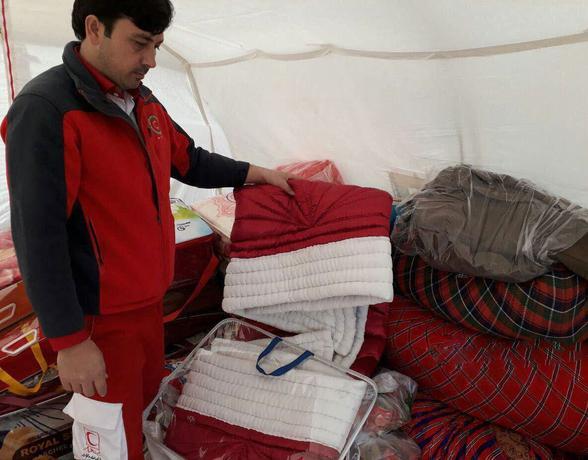 یک عروس بجنوردی، جهیزیه خود را به مردم زلزلهزده کرمانشاه اهداء کرد