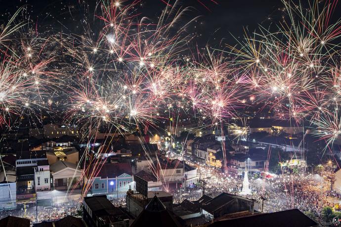 آتش بازی سال نو در جاکارتا - اندونزی