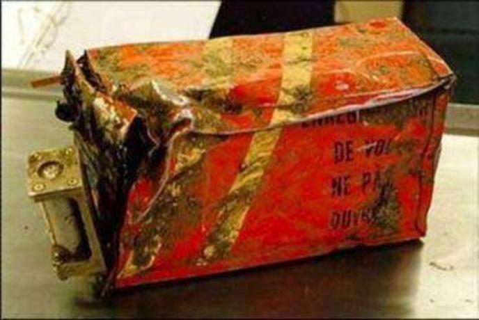 این تصویری است که از جعبه سیاه کشف شده منتشر شده اما سازمان هواپیمایی کشوری در خصوص آن اعلام کرده است: «اصالت تصاویر منتشر شده از جعبه سیاه ATR سانحه دیده تأیید نمیشود»!