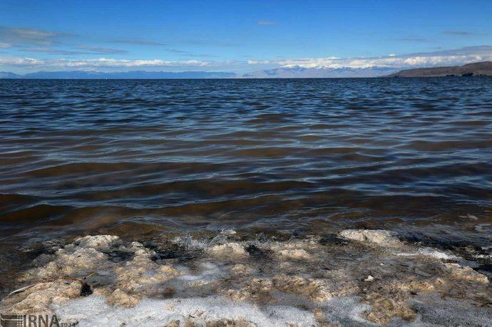 دریاچه ارومیه جان گرفت / عکس