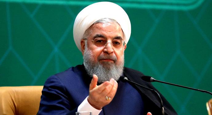 روحانی: دولت استعفا نمیدهد / دولت تمامقد در کنار بازار است