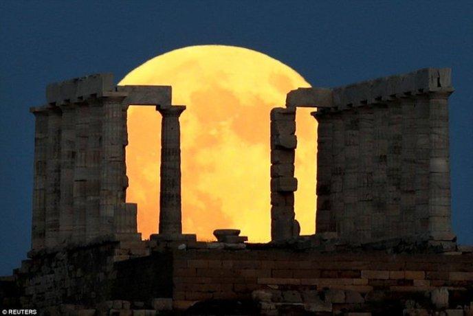 معبد پوزایدون(خدای دریا) در یونان