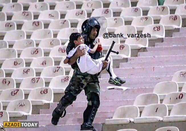 تلاش یک پلیس برای نجات یک کودک در هیاهو و درگیریهای بازی امروز