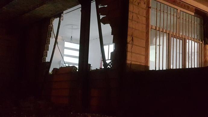 تخریب برخی خانههای ثلاث باباجانی بر اثر زلزله
