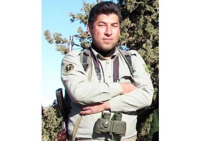 شهید «تاج محمد باشقره» که سال جاری به سفر حج مشرف شده بود، 41 سال سن داشت و از وی یک پسر 14 و یک فرزند دختر به یادگار باقی مانده است.