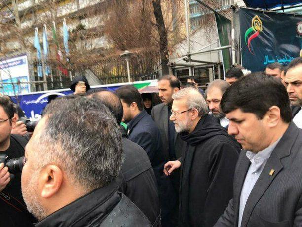 رئیس مجلس در راهپیمایی ٢٢ بهمن